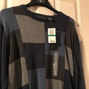 Men's sweater NWT